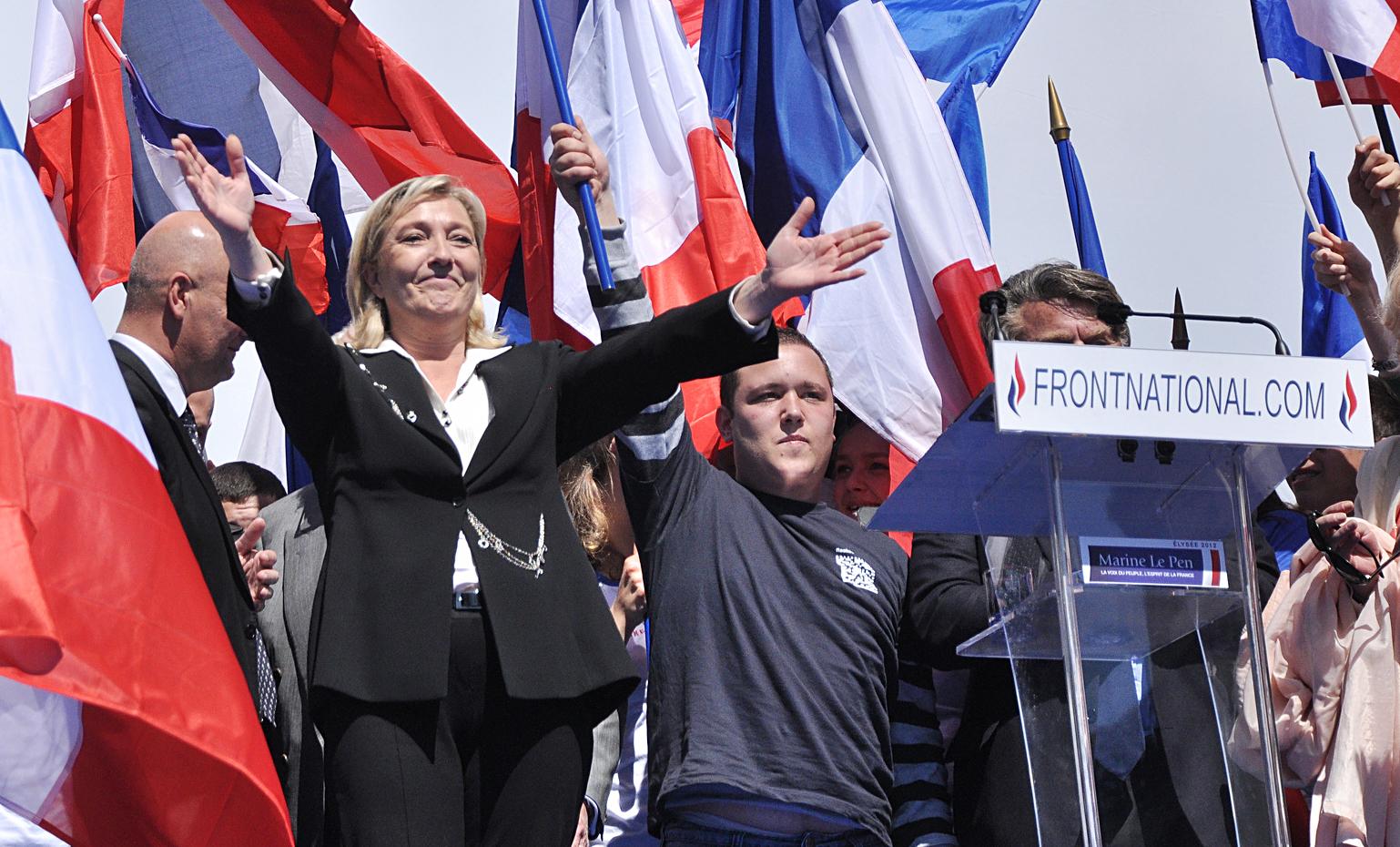 """Passen die Begriffe """"populistisch"""" und """"neofaschistisch"""" auf den Front National?"""