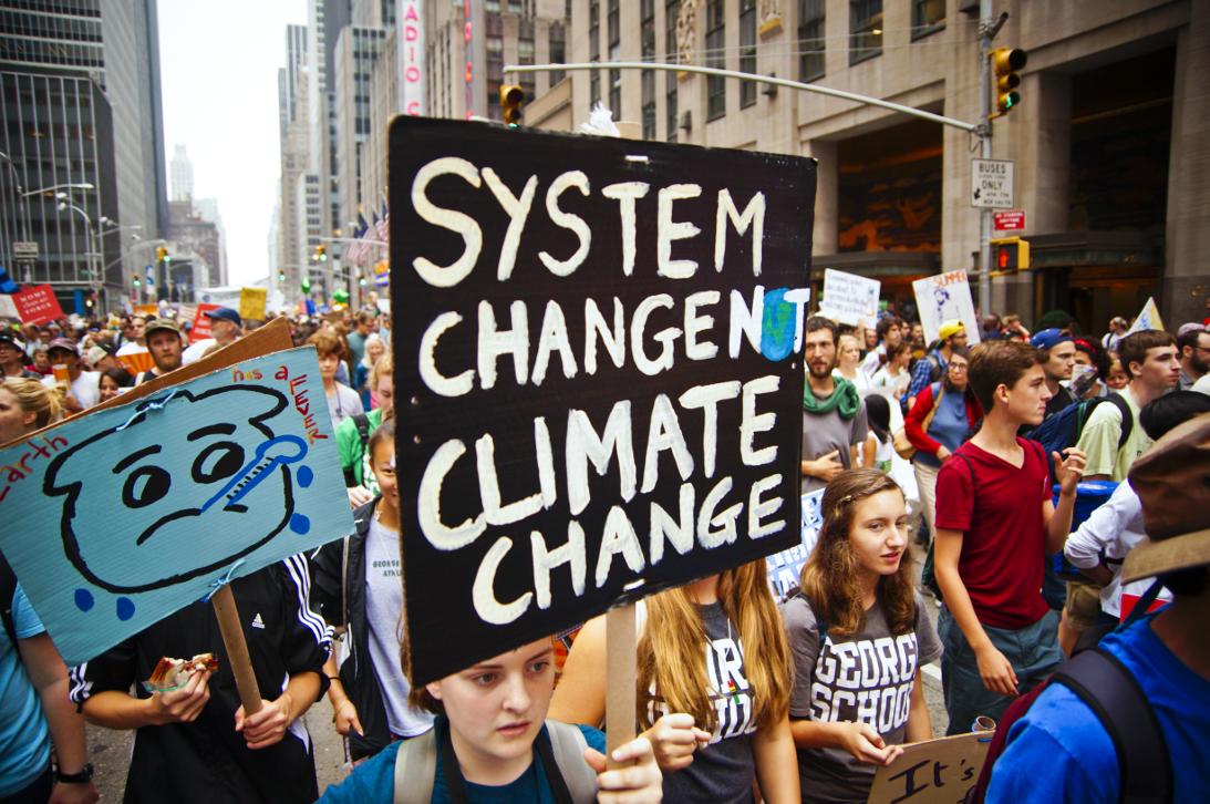 """System change, not climate change!"" Kohle abschalten! Freihandel stoppen!"