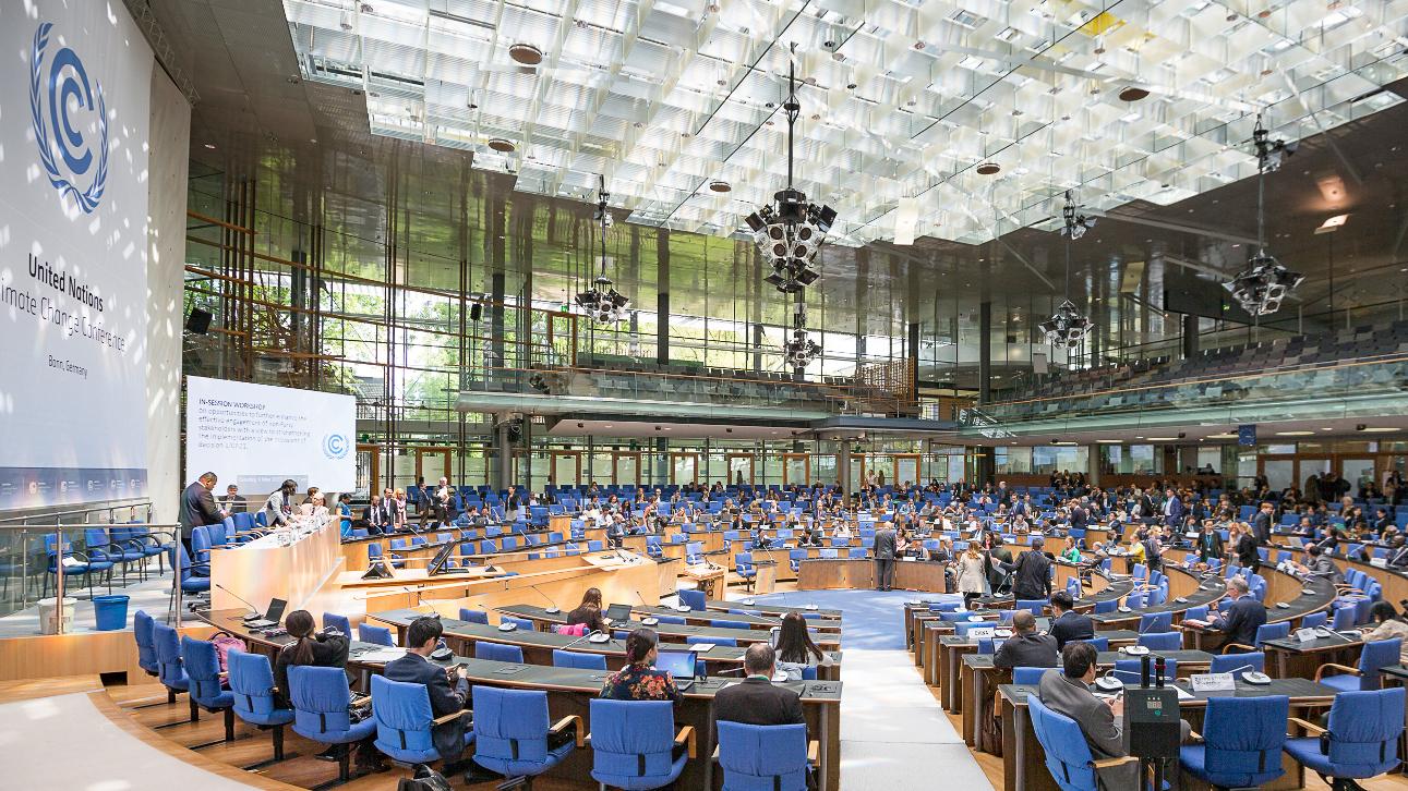 Von Konferenz zu Konferenz kommt die Katastrophe näher