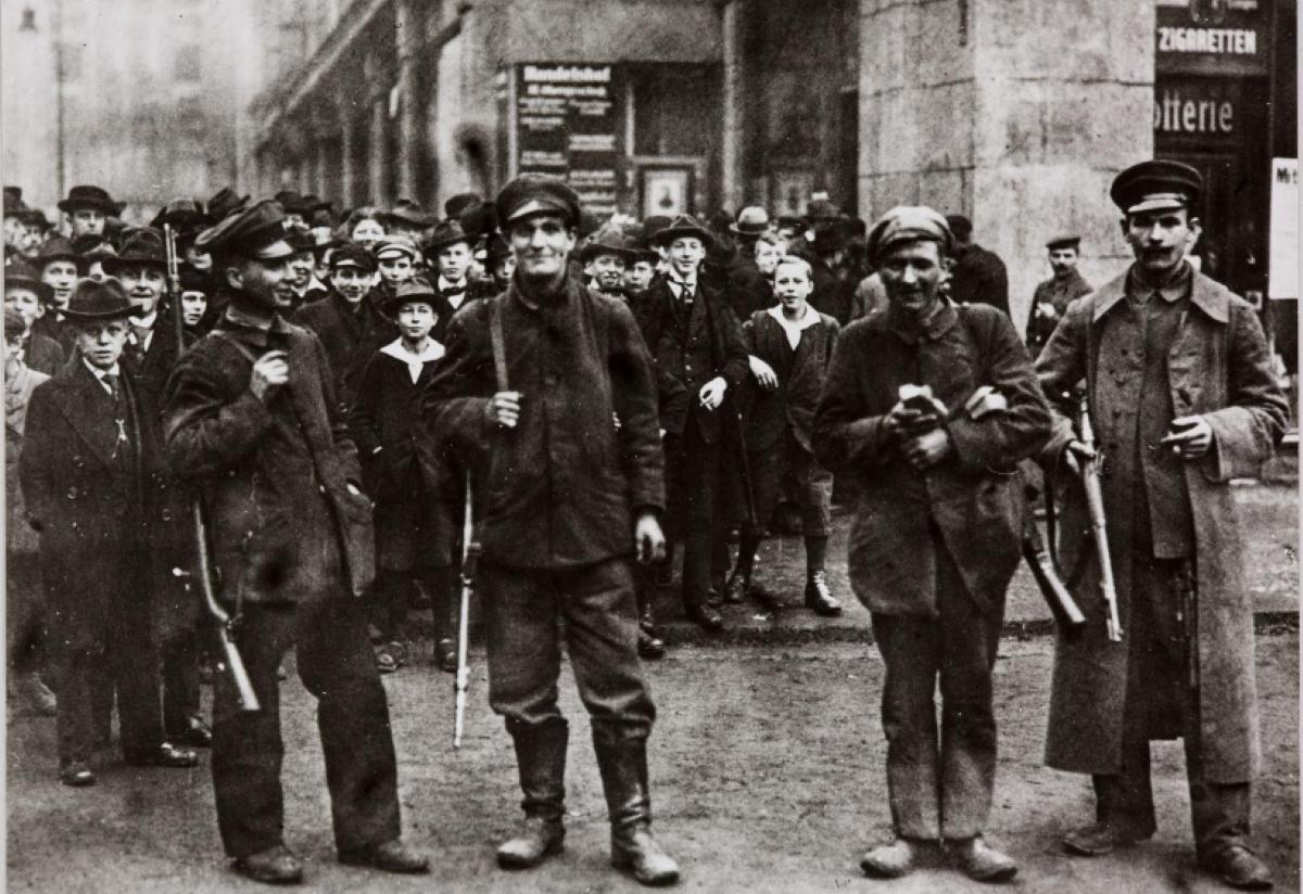 Zur Frage der Arbeiterselbstverteidigung